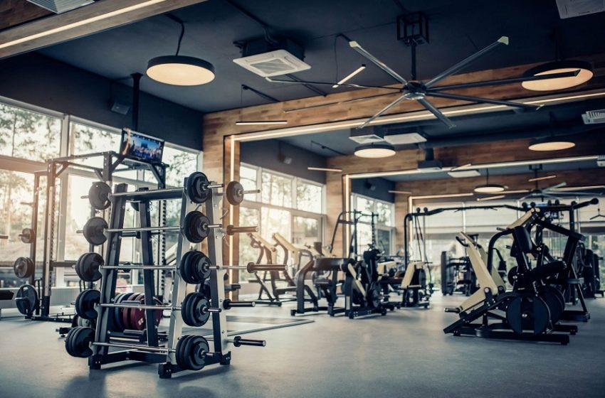 Ανοίγουν γυμναστήρια, περισσότεροι καλεσμένοι σε δεξιώσεις – Τι αποφασίζει και τι όχι η επιτροπή