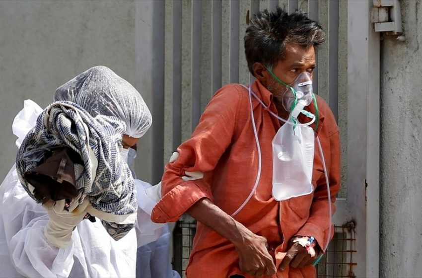 Ινδία: Νέο τραγικό ρεκόρ 3.689 θανάτων