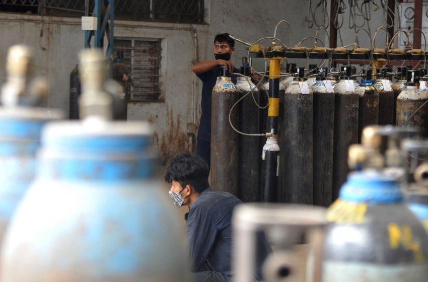 Πεθαίνοντας στην Ινδία χωρίς οξυγόνο