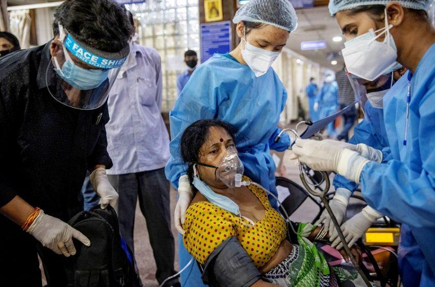 Ινδία: Πάνω από 4.000 νεκροί για πρώτη φορά σε ένα 24ωρο