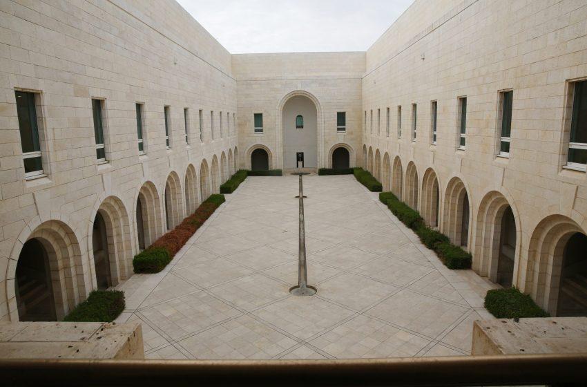 Το Ανώτατο Δικαστήριο του Ισραήλ ανέβαλε την ακρόαση για τις εξώσεις των Παλαιστινίων από το Σέιχ Τζάρα