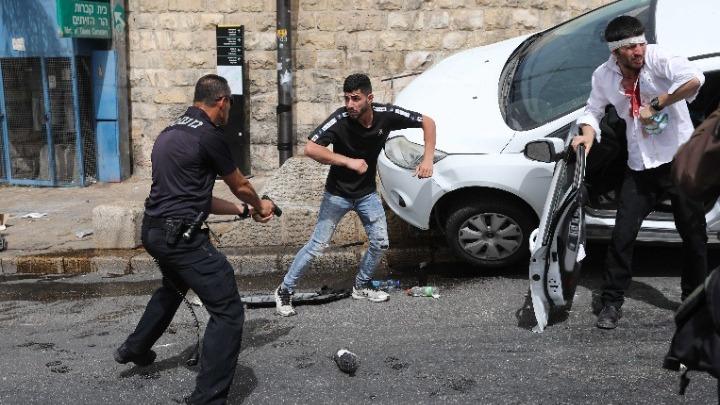 Νέες συγκρούσεις στην πλατεία των Τζαμιών στην Ιερουσαλήμ – Εκατοντάδες τραυματίες (vids)