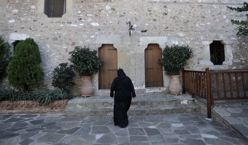 Πέθανε από κοροναϊό η ηγούμενη στο μοναστήρι του Γοργοποτάμου