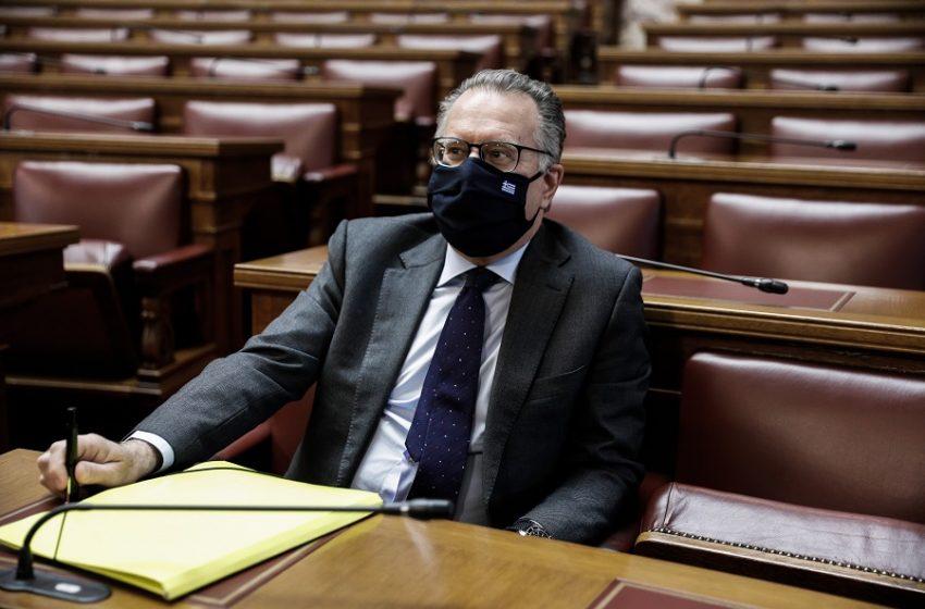 Νέα ερωτήματα θέτει ο ΣΥΡΙΖΑ για την πρόσληψη της πρώην συζύγου του Γ. Κουμουτσάκου