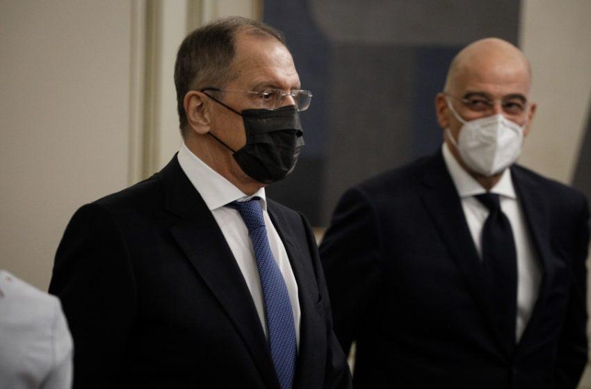 Συνάντηση Λαβρόφ-Δένδια: Επιθυμία της Ελλάδας η αποκατάσταση των σχέσεων Ελλάδας-Ρωσίας