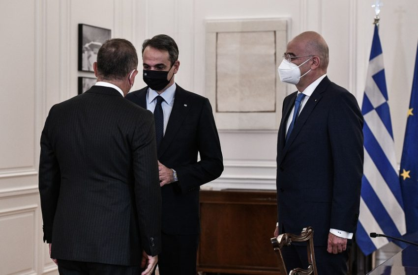 Τσαβούσογλου: Με ένα βίντεο 99″ περιγράφει όλα όσα έγιναν στην επίσκεψη του στην Ελλάδα (vid)