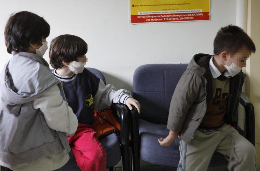 """""""Θα είναι τρελά τα λεφτά αν μπει το εμβόλιο μέσα στα σχολεία"""" – Η οικονομική διάσταση της Covid 19"""