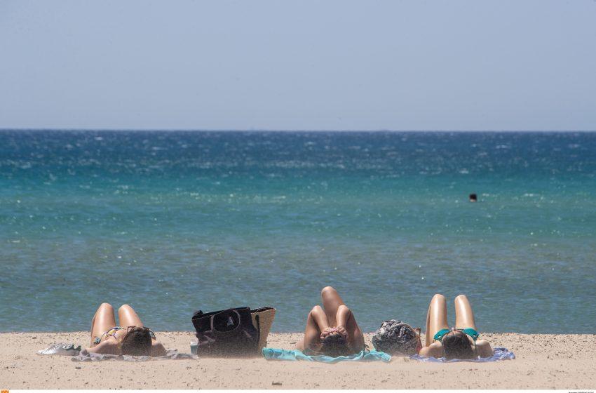 Γέμισαν οι παραλίες σε Αθήνα και Θεσσαλονίκη