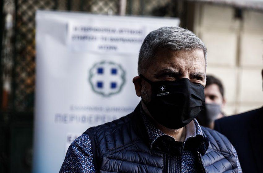 """Πυρκαγιά στο Σχίνο: """"Στα χέρια"""" ο Πατούλης με την Πυροσβεστική για το ποιος φταίει"""