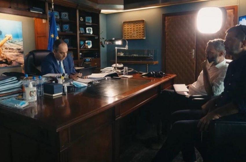 Σοκ από τις προσβλητικές εκφράσεις on camera του εφοπλιστή Λασκαρίδη κατά πρωθυπουργού – Άφωνος ο Πλακιωτάκης (vid)