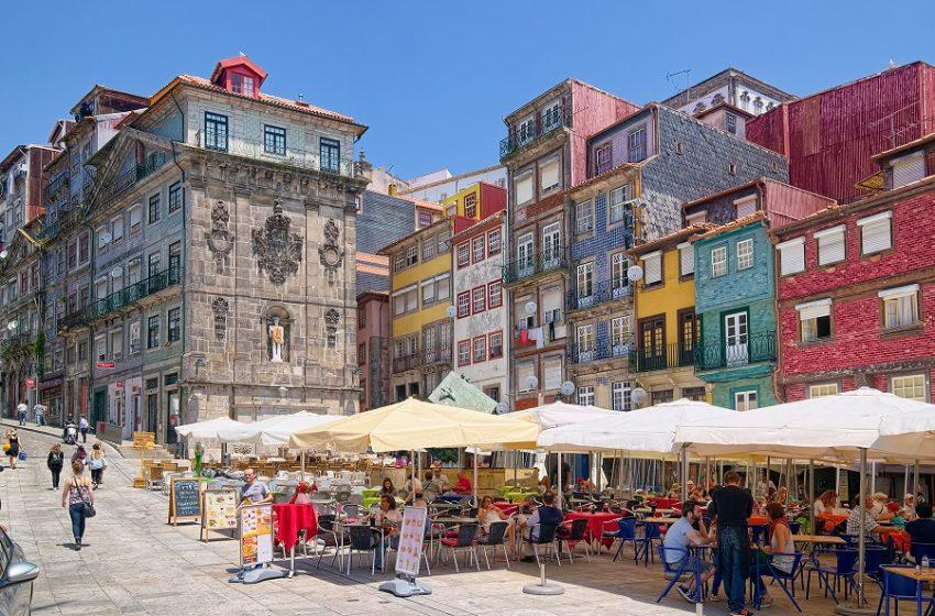 """Πορτογαλία: Μόνη της στη βρετανική """"πράσινη λίστα""""-Ουρά κάνουν οι τουρίστες"""