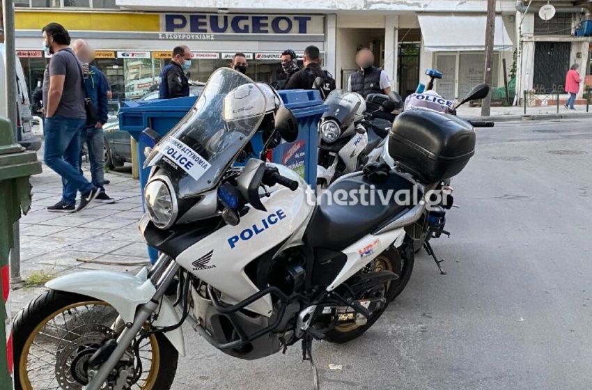 Θεσσαλονίκη: Πυροβολισμοί και ένας τραυματίας στη μέση του δρόμου-3 προσαγωγές