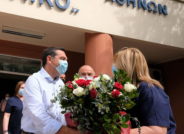 Τσίπρας: Η ευγνωμοσύνη μας στους νοσηλευτές δεν πρέπει να εξαντλείται στα λόγια