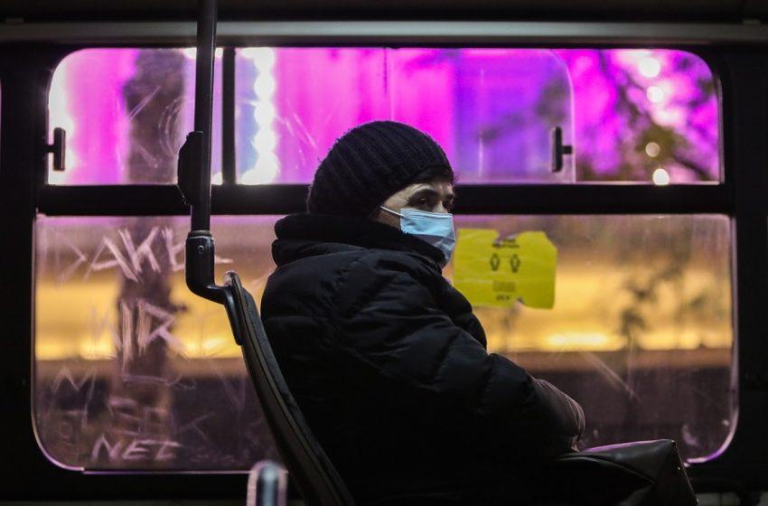 Διχάζει τις ΗΠΑ η οδηγία για το τέλος της μάσκας στους εμβολιασμένους
