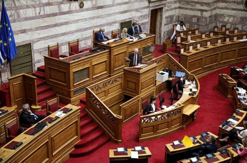 """""""Βέτο"""" της αντιπολίτευσης στην ανεξέλεγκτη ψήφο των ομογενών – Ο Βορίδης απέρριψε τροπολογία για εκλογικές περιφέρειες"""