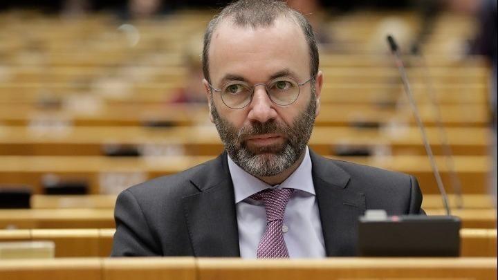 Βέμπερ: Άργησε η EE το πιστοποιητικό εμβολιασμού – Το ΕΛΚ, η Ελλάδα και η Αυστρία πίεζαν από τον Ιανουάριο