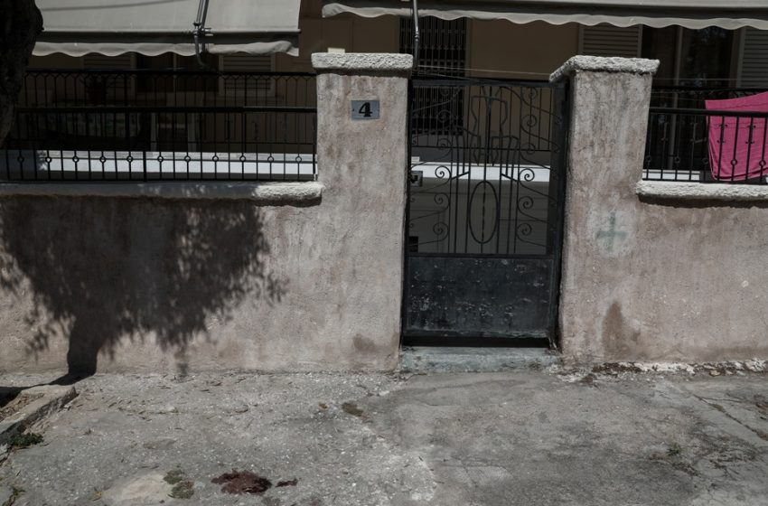 Αγία Βαρβάρα: Εξ΄επαφής οι τρεις πυροβολισμοί – Τον 75χρονο πρώην σύζυγο του θύματος αναζητά η Αστυνομία