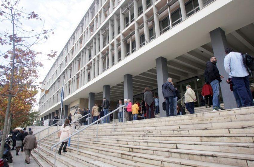 Άγρια επίθεση με μπουνιές και κλωτσιές σε 13χρονη από συνομήλική της στην Θεσσαλονίκη