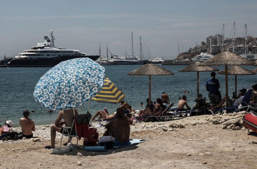Στις παραλίες οι Αθηναίοι για το πρώτο μπάνιο