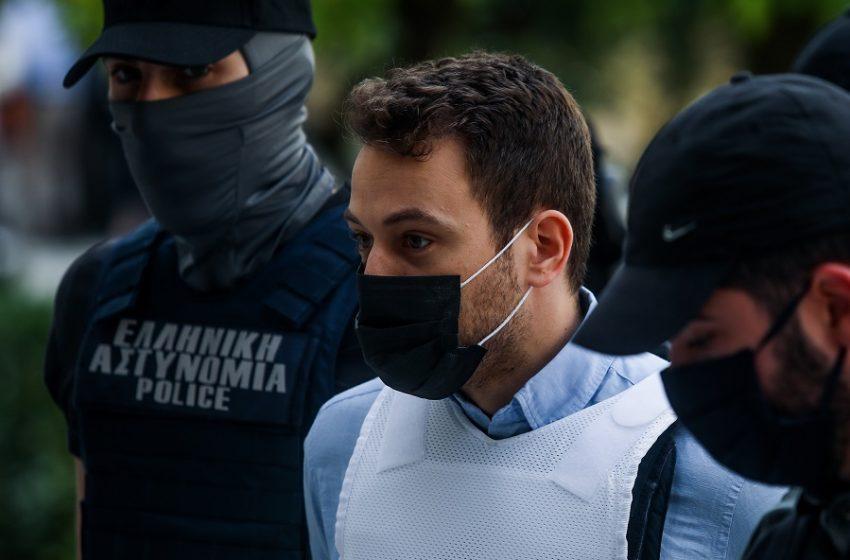 Γλυκά Νερά: Προφυλακιστέος ο συζυγοκτόνος Μπάμπης Αναγνωστόπουλος