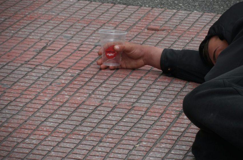 Θεσσαλονίκη: Στη ζητιανιά τα παιδιά, στη… ντόλτσε βίτα οι γονείς