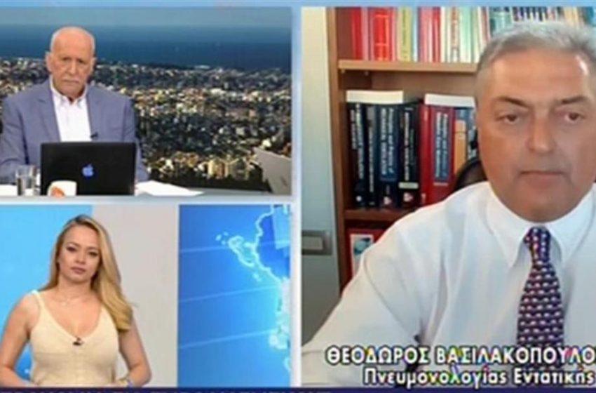 """Βασιλακόπουλος: """"Νέο lockdown εάν δεν αυξηθεί ο ρυθμός των εμβολιασμών"""""""