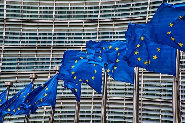 Το Ευρωπαϊκό Κοινοβούλιο ζητάει αλλαγή νομοθεσίας για την αντιμετώπιση επιζήμιων φορολογικών καθεστώτων