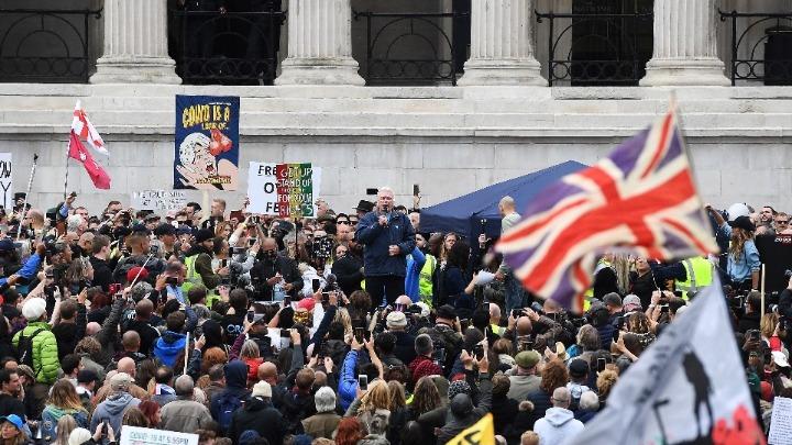Βρετανία: Διαδήλωση στο Λονδίνο κατά των μέτρων για την Covid-19
