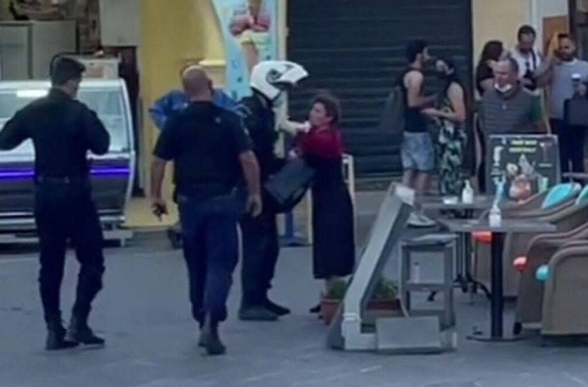 Ντροπή: Συνέλαβαν πλανόδιο μουσικό στη Ρόδο – Αποδοκιμασίες του κόσμου (vid)