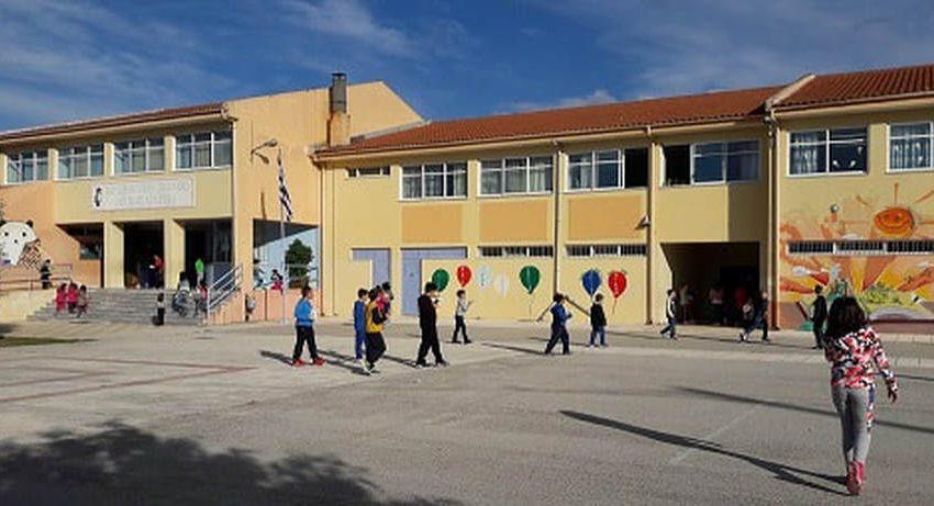 Εύβοια: Άγνωστος εισέβαλε σε Δημοτικό και επιτέθηκε σε δασκάλους και διευθυντή