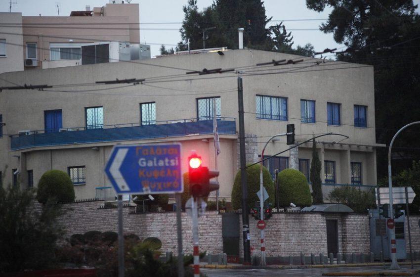 Ρουβίκωνας: Διπλή παρέμβαση στις πρεσβείες Τουρκίας και Ισραήλ