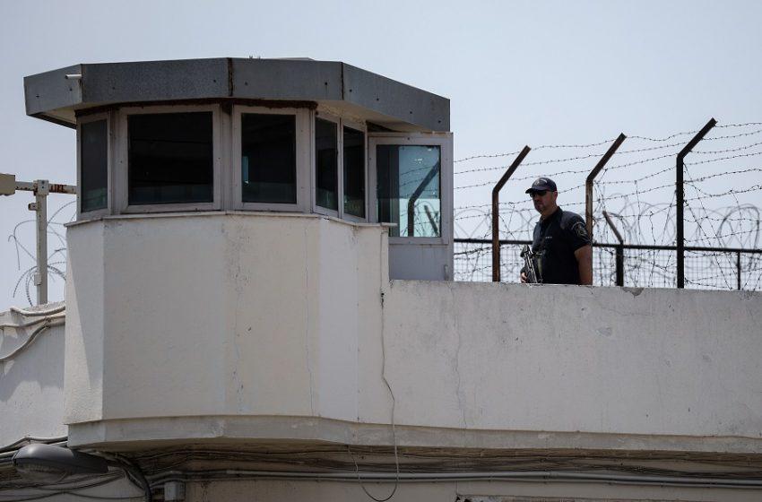 Μεγάλη αστυνομική επιχείρηση στις φυλακές Νεάπολης Λασιθίου