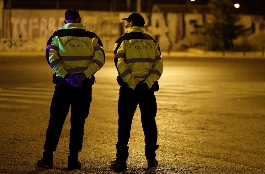 Αστυνομικός νοίκιαζε 2.000 ευρώ το μήνα υπηρεσιακό ασύρματο σε διαρρήκτες