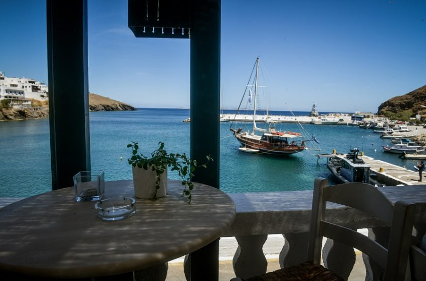"""Βρετανία: Οριστικά εκτός """"πράσινης λίστας"""" η Ελλάδα – Πλήγμα για τουρισμό"""
