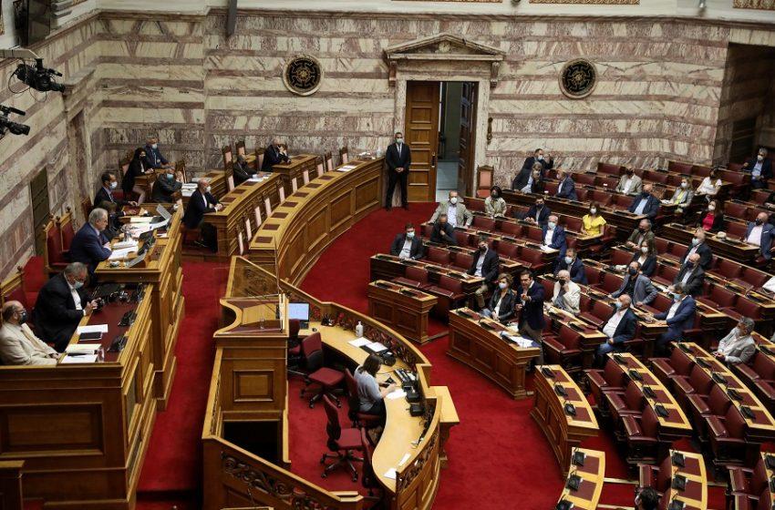 """Αντιπαράθεση για τα δάνεια της ΝΔ : Εξορθολογισμό """"βλέπουν"""" στην Πειραιώς – ΣΥΡΙΖΑ: Η ΝΔ έχει φεσώσει όποιον μιλάει ελληνικά"""