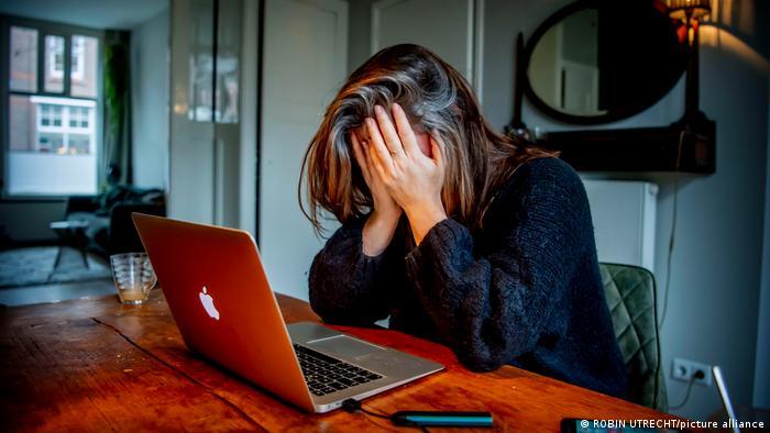 Ψυχοθεραπεία: Άγχος, εξάντληση και burnout μετά την πανδημία-Αύξηση 40% στις επισκέψεις