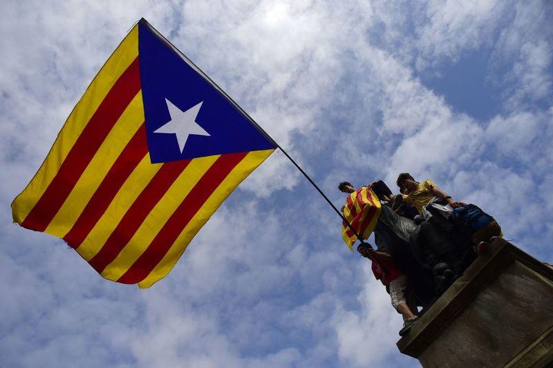Ισπανία: Απονομή χάριτος σε φυλακισμένους Καταλανούς αυτονομιστές ηγέτες