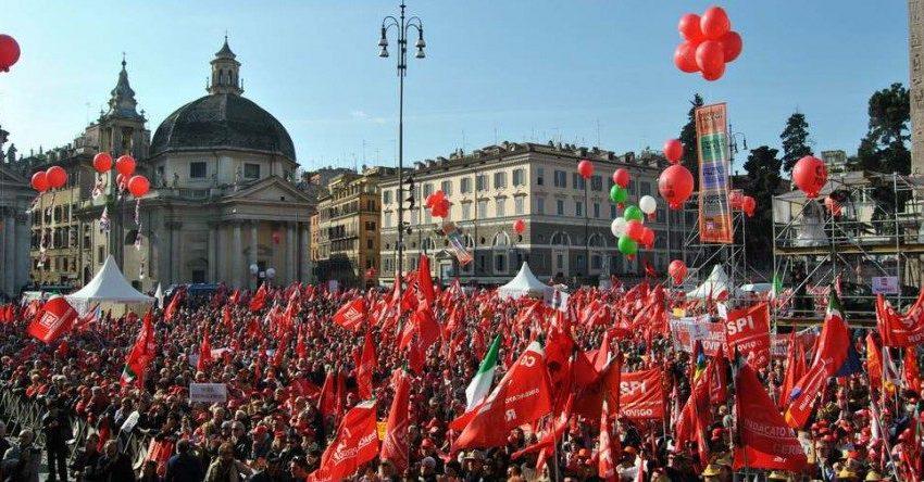Παράταση της προστασίας εργαζομένων έναντι απολύσεων ζητούν τα ιταλικά συνδικάτα