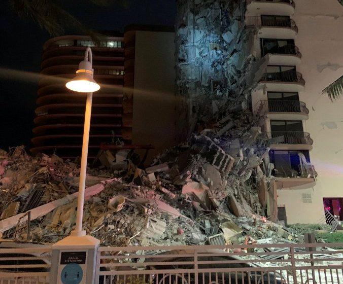 Κατέρρευσε πολυόροφο κτίριο στο Μαϊάμι (vid)