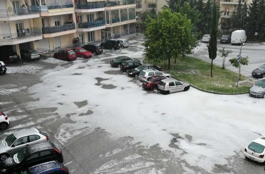 Ξάνθη: Ισχυρή καταιγίδα και χαλάζι – Βούλιαξαν δρόμοι (vid)