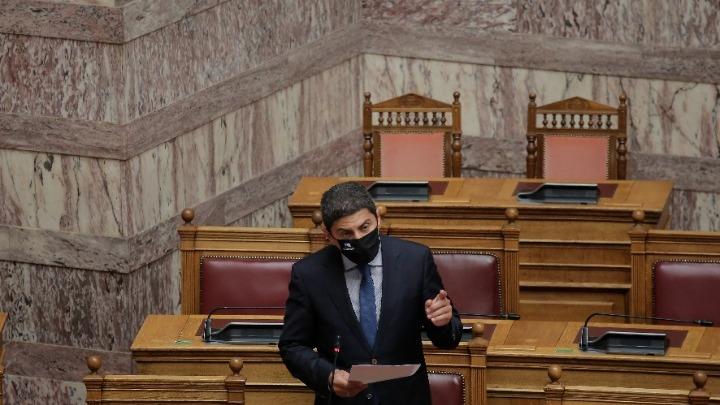 Αυγενάκης: Συγκλονιστικό το περιστατικό με τον Έρικσεν – Έχουμε προνοήσει για χρήση απινιδωτών σε όλη την Ελλάδα