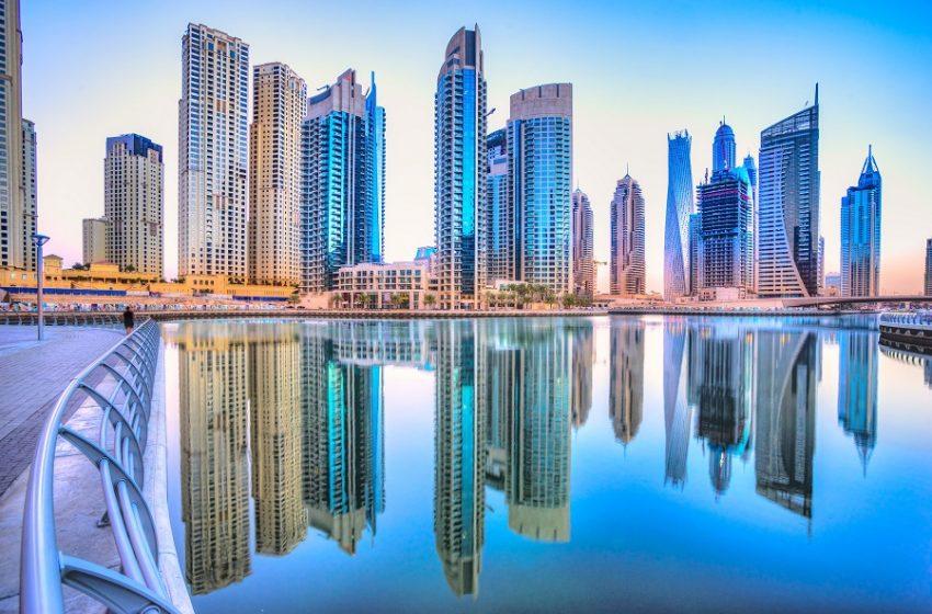 """Γερμανία: """"Σαφάρι"""" Σολτς στο Ντουμπάι -Αγόρασε δεδομένα εκατομμυρίων φορολογουμένων"""