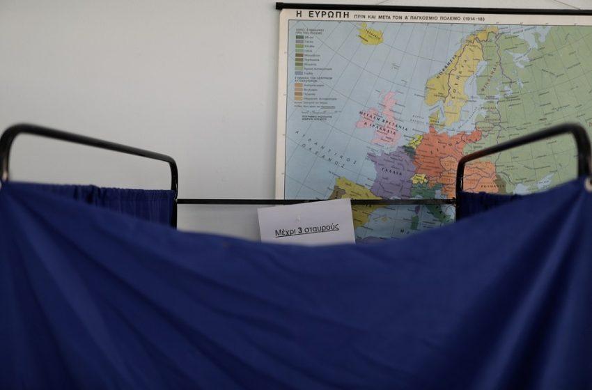 ΣΥΡΙΖΑ: Πώς διαβάζουν τις δημοσκοπήσεις και ποια είναι η πιο κρίσιμη μάζα ψηφοφόρων