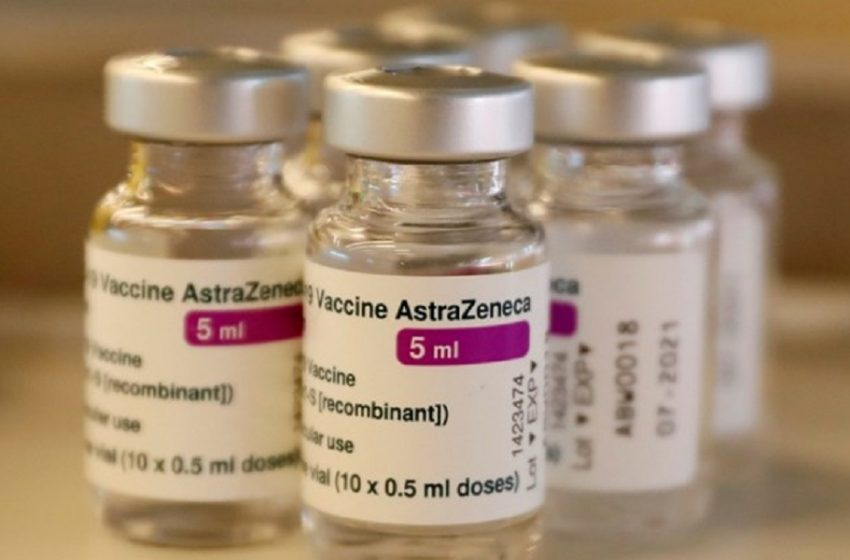 """Εμβόλιο AstraZeneca: """"Σχετίζεται με ελαφρώς αυξημένο κίνδυνο για αυτοάνοση αιμορραγία"""" υποστηρίζουν βρετανοί επιστήμονες"""
