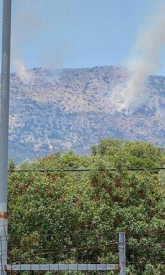 Πυρκαγιά από κεραυνό στη Χίο