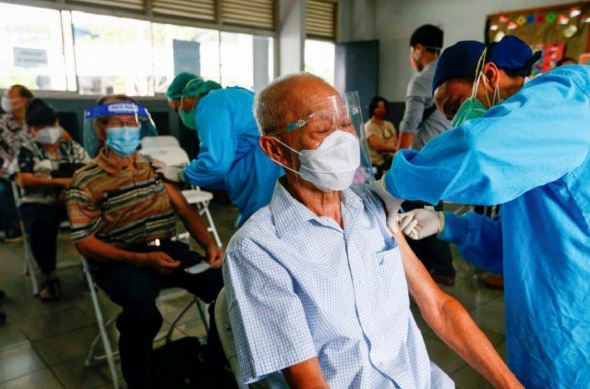 Ινδονησία: Εκατοντάδες εμβολιασμένοι υγειονομικοί μολύνθηκαν με Covid19
