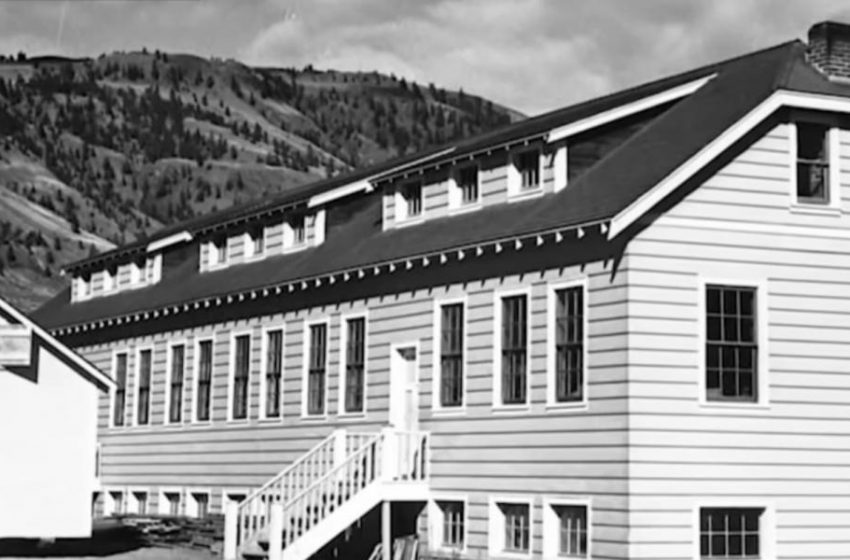 Φρίκη στον Καναδά: Ομαδικός τάφος 215 παιδιών σε σχολείο ιθαγενών