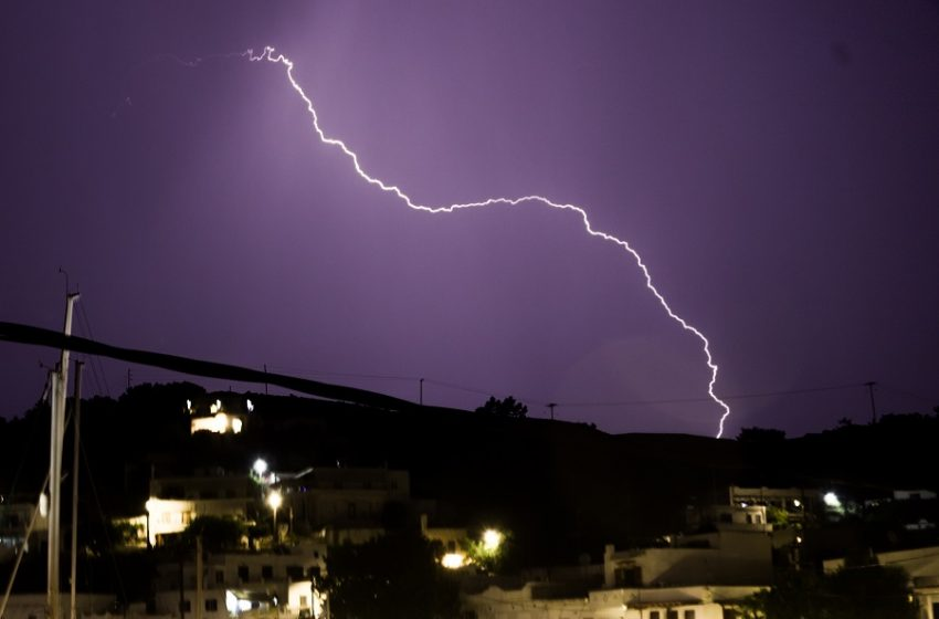Έκτακτο δελτίο επιδείνωσης του καιρού – Καταιγίδες με κεραυνούς και χαλαζοπτώσεις