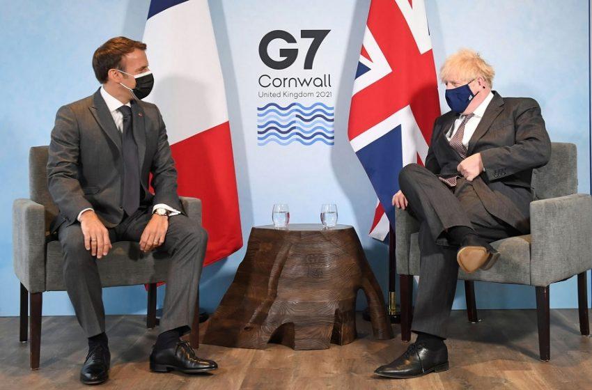 Μακρόν σε Τζόνσον: Να τηρήσεις τη συμφωνία   μας για το Brexit