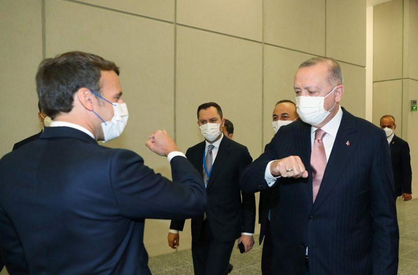 """Μακρόν –  Ερντογάν: """"Συζήτηση σε βάθος"""" για Λιβύη και Συρία"""